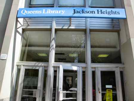 queens library in jackson heights