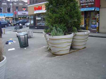 Jackson Heights Public seting area on 37th road