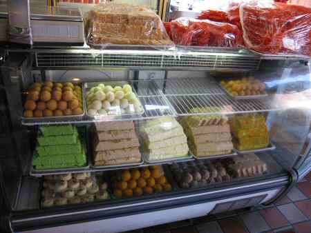 gourmet sweets counter © desijacksonheights.com